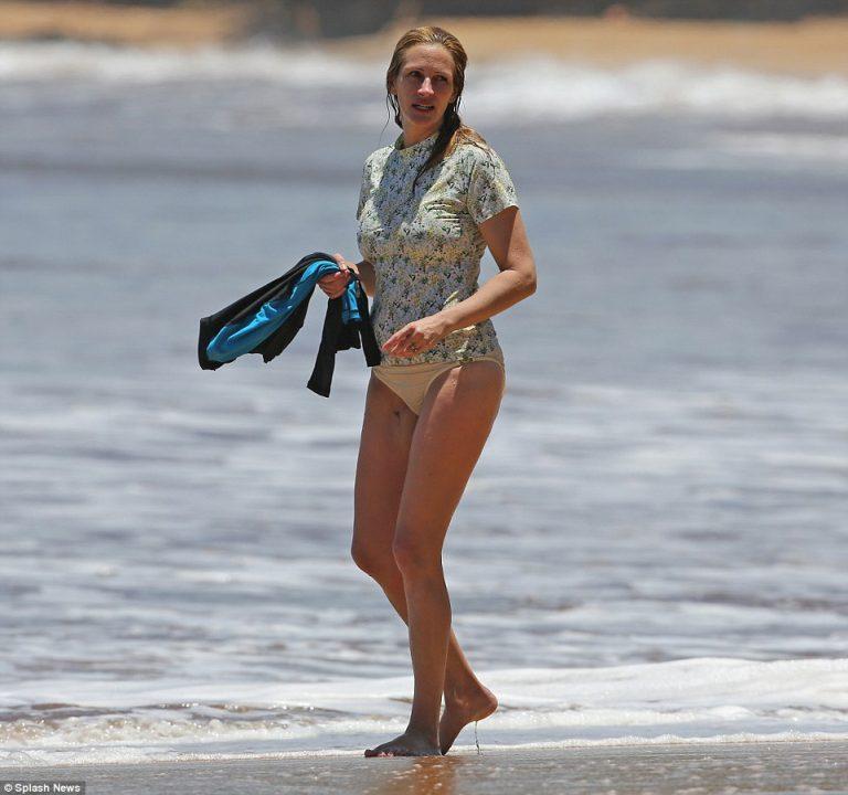 Julia roberts in bikini — photo 9