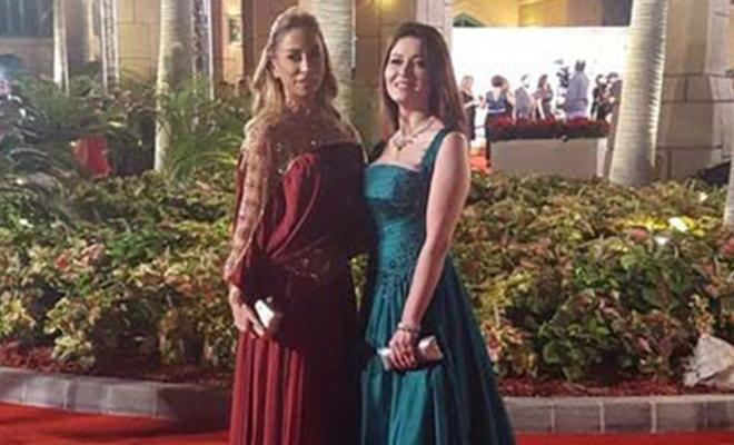 Nurgül Yeşilçay, Dubai'de 'En İyi Kadın Oyuncu' ödülünü aldı
