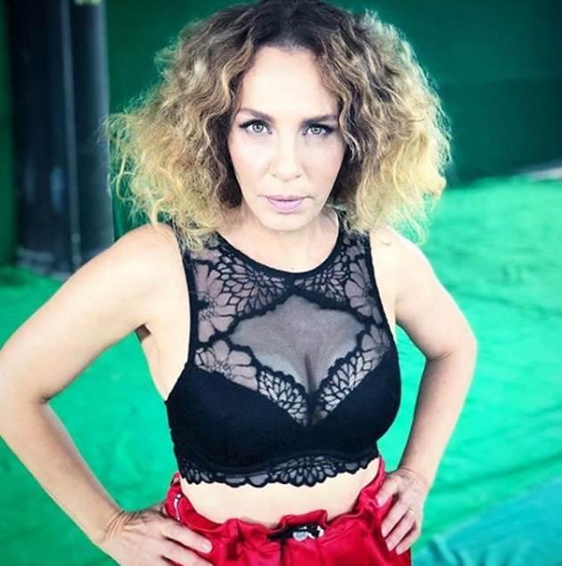 """""""Yaş almayan kadın"""" Sertab Erener 1"""