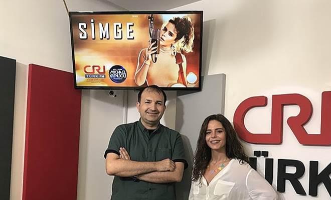 Simge: Eurovision'a Türkçe bir şarkı ile katılmalıyız 1