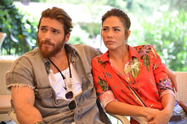 Oğuzhan Özyakup, aşk yaşadığı oyuncu sevgilisi Demet Özdemir'i unutamıyor 2