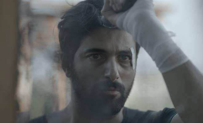 """Engin Akyürek yeni filmi """"Bir Aşk İki Hayat"""" için saçlarını kesti 1"""