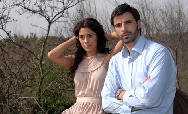 Mehmet Akif Alakurt'a, Sıla dizisinde rol arkadaşı Cansu Dere'den şaşırtan yorum 1